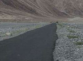 Highest Motorable road of World Built in Ladakh at 19,300 feet by BRO